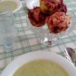 Punajuuri-muffinit ja vihreä keitto
